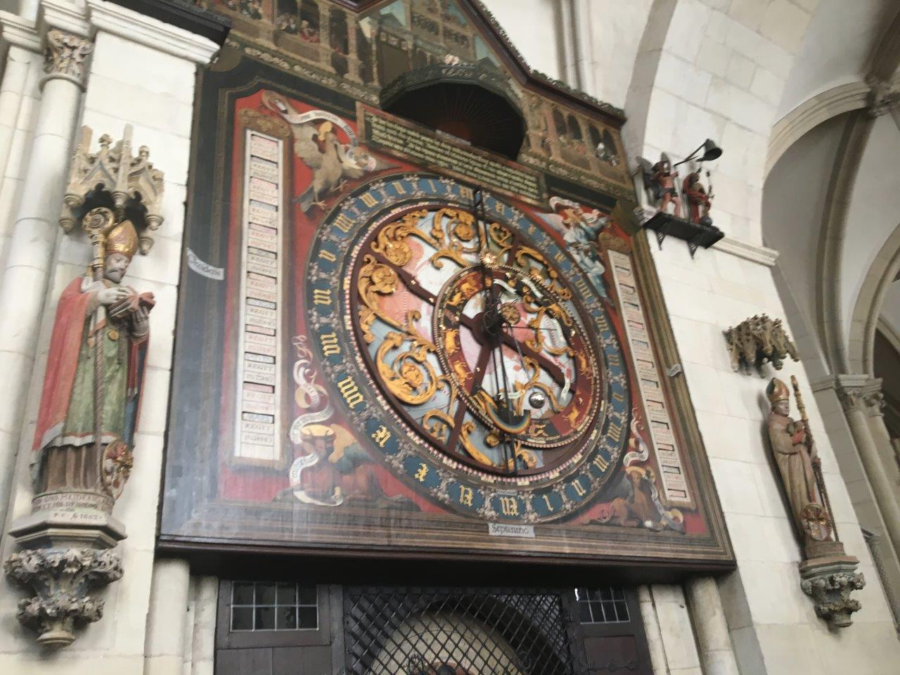 Dom Uhr